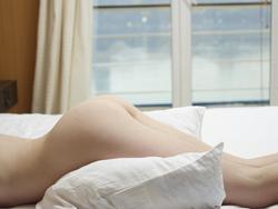 Emily Bloom Tigra Body Body Massage - pics 01
