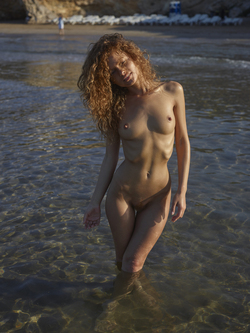 Curly Redhead Julia Sunrise by Sea - pics 05