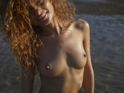 Curly Redhead Julia Sunrise by Sea - pics 06