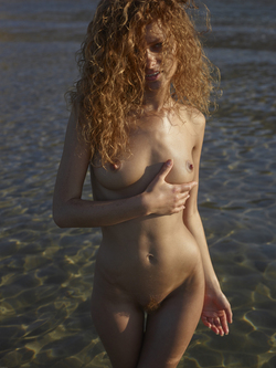 Curly Redhead Julia Sunrise by Sea - pics 08