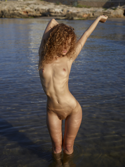 Curly Redhead Julia Sunrise by Sea - pics 12