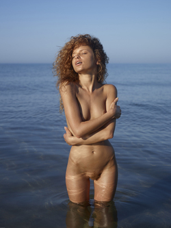 Curly Redhead Julia Sunrise by Sea - pics 13