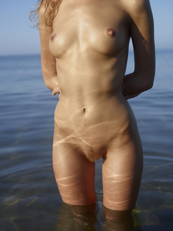 Curly Redhead Julia Sunrise by Sea - pics 17