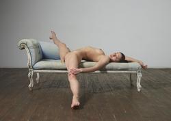 Flexi Girl Eva Showing Bald Pussy - pics 09