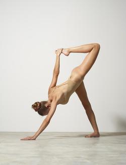 Busty Luba Shumeyko Naked Yoga - pics 07