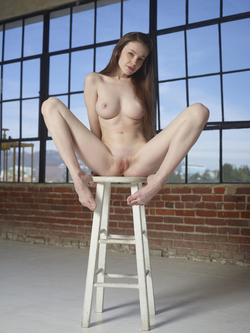 Emily Bloom - Supergirl is Back - pics 15