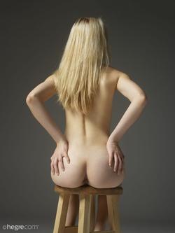 Tiny Blonde Girl Margot Portraits - pics 06