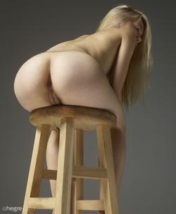 Tiny Blonde Girl Margot Portraits - pics 10