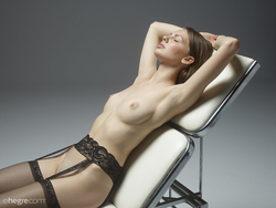 Cindy Medical Exam in Stockings - pics 00
