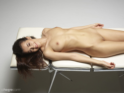 Nicolette Dream Girl on the Table - pics 08