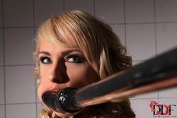 Ivana Sugar Damsel Restrained - pics 04