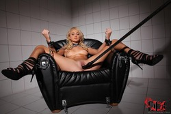 Ivana Sugar Damsel Restrained - pics 06