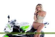 tattooed Blonde on a Motorbike - pics 06