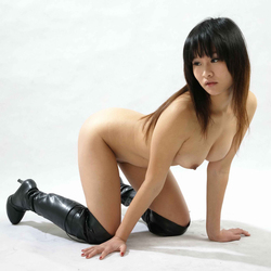Petite Japanese Babe in Long Boots - pics 10