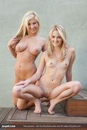 Sara and Tasha Lesbian Sex Pics - pics 03