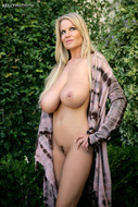 Kelly Madison Big Natural Boobs - pics 01