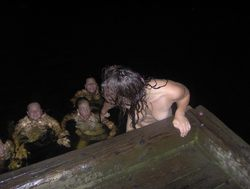 Drunk Amateur Babes Love Night Beach - pics 15