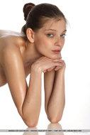 Indiana A Beautiful Oiled Nude - pics 14