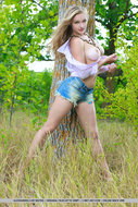 Damn Hot Blonde Ripped Jeans - pics 08