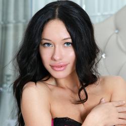 Sexy Mila M Giant Meaty Pussy Lips - pics 05