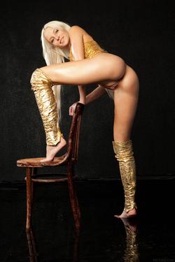 Blonde Angel Alysha A Shiny Gold - pics 02