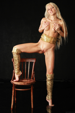 Blonde Angel Alysha A Shiny Gold - pics 06