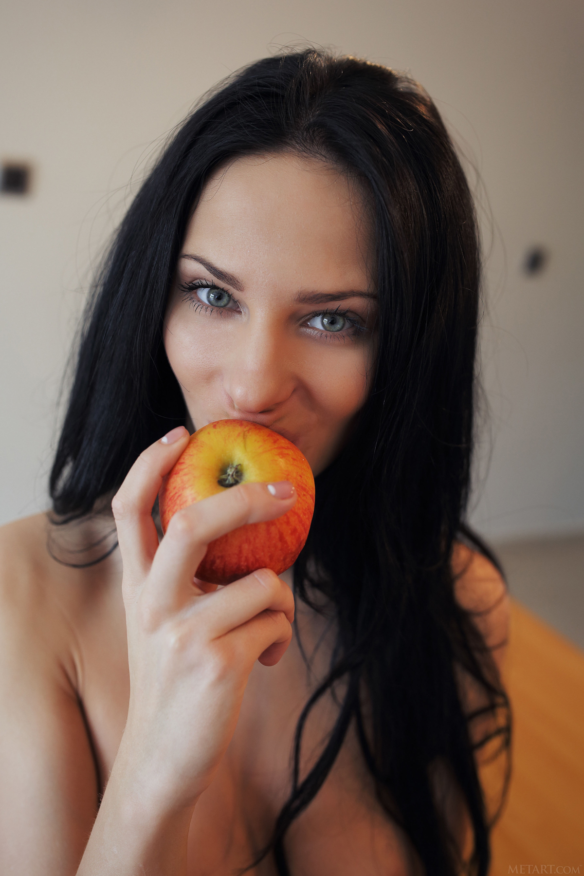 Sexy Nude Girl Lydia A Apple a Day - picture 03