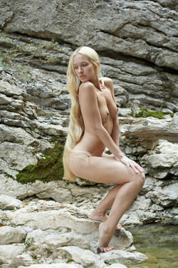 Long-Long Haired Blonde Desire A  - pics 11