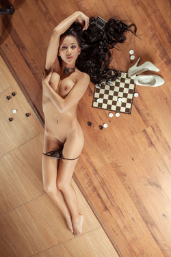 Diva Plays Checkers and Pussy Games - pics 09