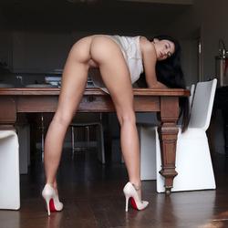 Busty Lucy Lee Amazing Big Boobs - pics 01