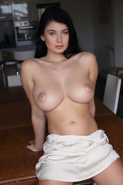 Busty Lucy Lee Amazing Big Boobs - pics 03
