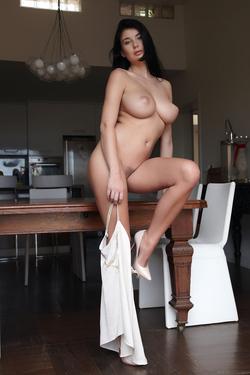 Busty Lucy Lee Amazing Big Boobs - pics 04