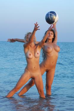 Illana A and Sofi A Seaside Boobs - pics 00