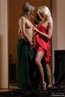 Beautiful Teen Lesbians Gallery - pics 00