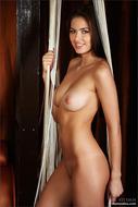 Sensual Nude Brunette Arianna - pics 03