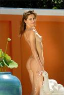 Skiny Teenager Babe Anya Nude - pics 00