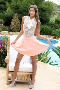 Maria Ryabushkina Perfect Peach - pics 00