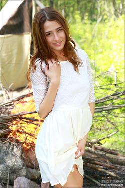 Natural Brunette Layla - Camp Strip - pics 00