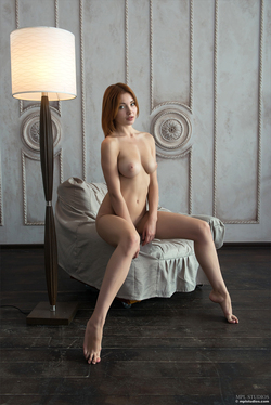 Redhead Babe Valeria Skinny Jeans - pics 07
