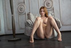 Redhead Babe Valeria Skinny Jeans - pics 11