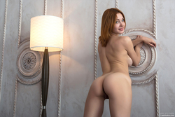 Redhead Babe Valeria Skinny Jeans - pics 12