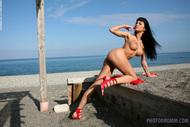 Busty Pornstar Roxanna Milan Seaside - pics 04