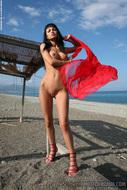 Busty Pornstar Roxanna Milan Seaside - pics 08