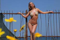 Incredibly Hot Busty Babe Vivien - pics 00