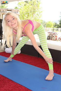 Maddy Rose Fucking in Yoga Pants - pics 00