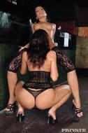 Anita Pearl Licking Cindy Hope - pics 03