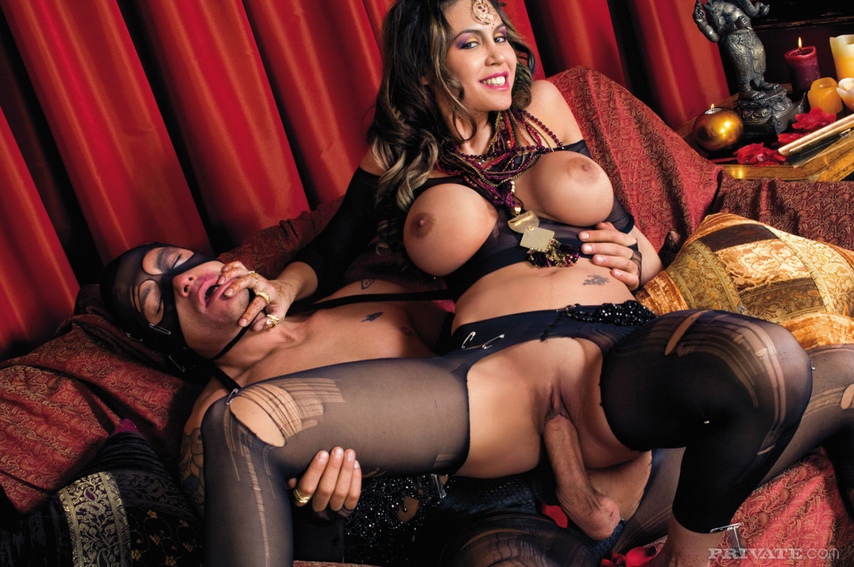 Busty Pornstar Karina - Hardcore Sex - picture 15
