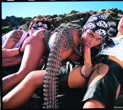 Ebony Pirate Bettina Hot Threesome - pics 04