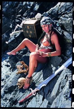 Ebony Pirate Bettina Hot Threesome - pics 11