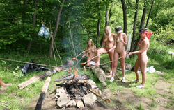 Nude Babes Having a Good Barbecue - pics 02